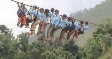 Fact Check: Image from Nepal falsely circulated as Uttarakhand children going to school using wire bridge