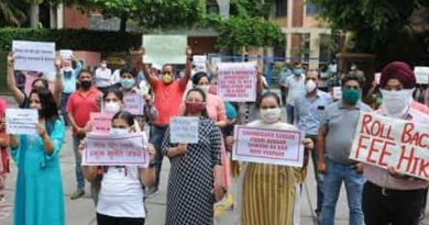 Parents protest outside pvt school in Ambala over levying of annual charges