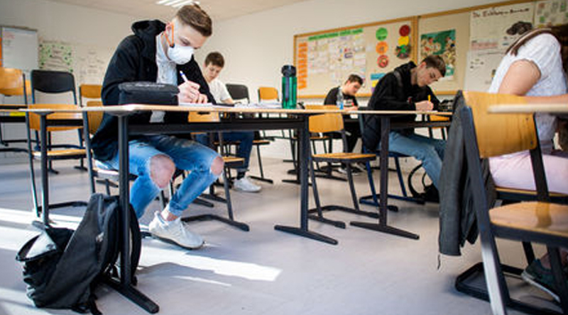 Testing and tracing 'key to schools returning', scientists say