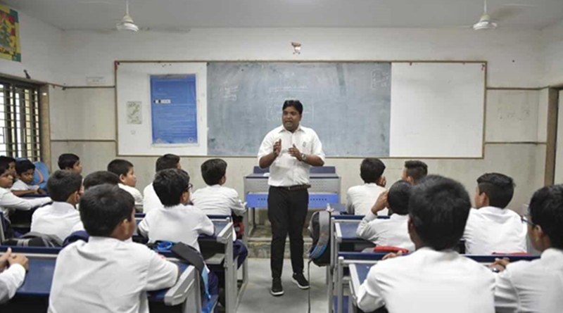 Give leaving certificates to students: Delhi govt to private schools