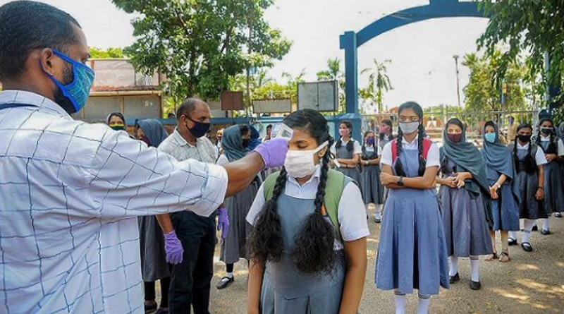 Schools reopen in about 25 districts of Maharashtra: Only 5% students turn up on Day 1