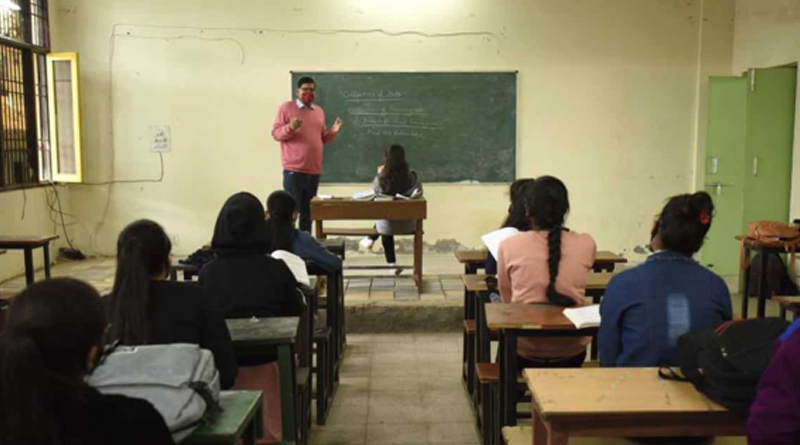 Classes suffer inDelhi as teachers continue to be on Covid duty