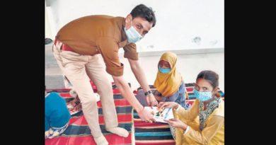 GRP constable runs free school to educate underprivileged children in UP's Unnao
