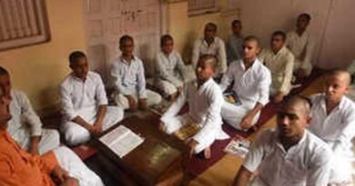 More students learn Sanskrit to explore the ancient scriptures - Education News India